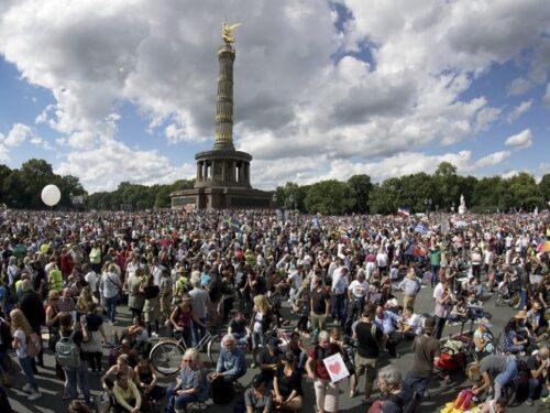 GIORNALISMO SPAZZATURA: LE PROTESTE DI BERLINO